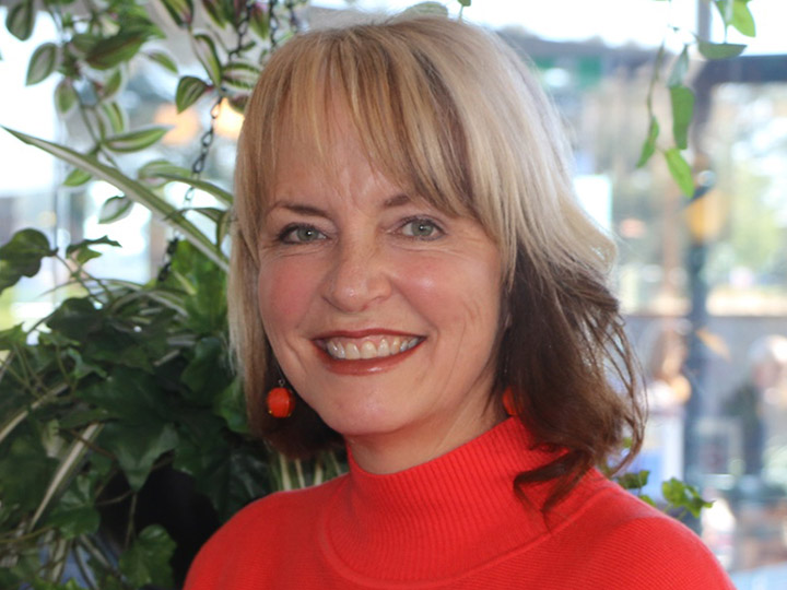 Julie Leech